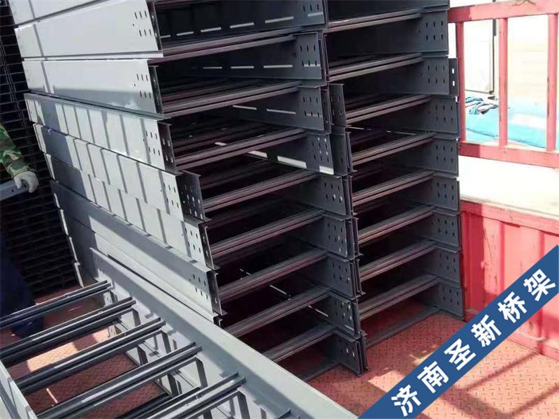 室外安装济南电缆桥架如何做防水?